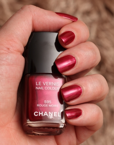 Chanel 595 Rouge Moire swatch