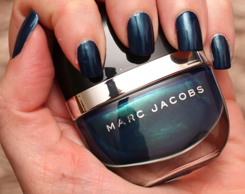 Marc Jacobs Blue Velvet 132 swatch