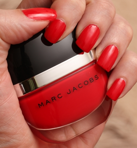 Marc Jacobs Lola swatch