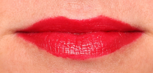 Marc Jacobs Lovemarc Neo-noir lip swatch