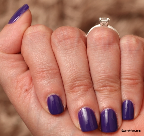 Marc Jacobs Ultraviolet hand